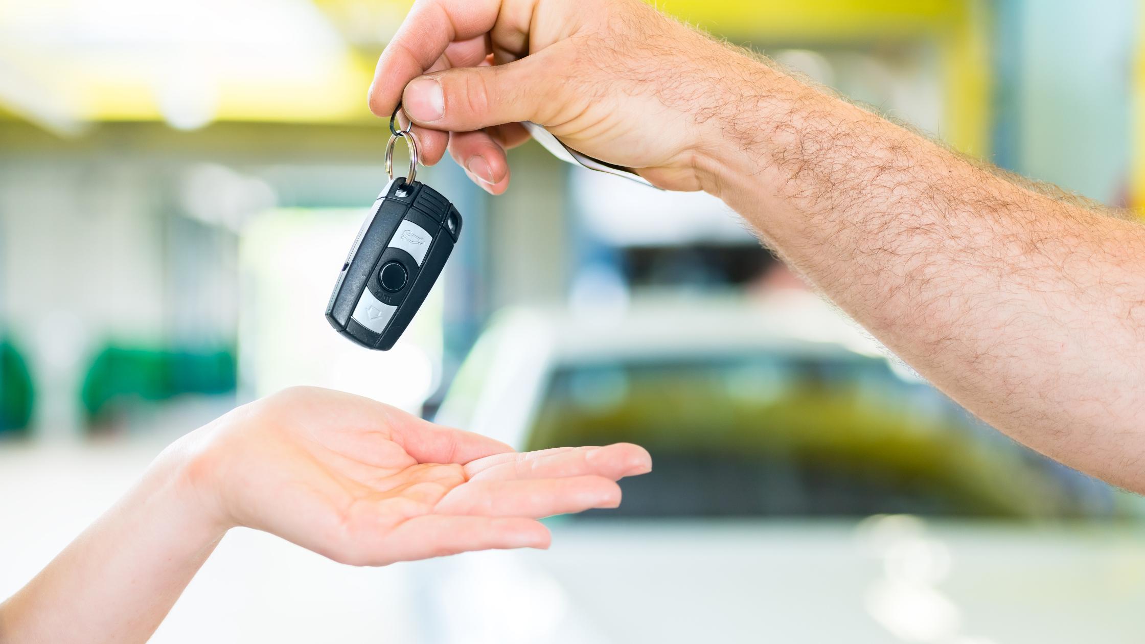 ritiro e consegna dell'auto a domicilio gratis auto carrozzeria roma nord riano